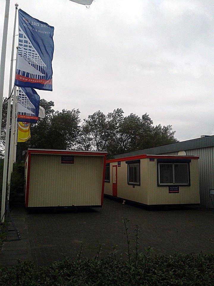 20140830_containerunits-op-hun-plaats_foto-jan-van-es